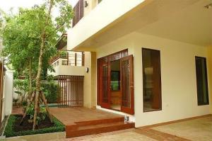 For RentHouseOnnut, Udomsuk : A.N – House for Rent Pakamas Village, Sukhumvit 71, 2-storey , 5 bedrooms, 6, near BTS Phra Khanong