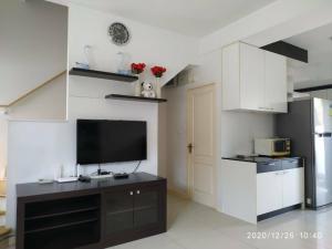 For RentHousePattanakan, Srinakarin : 3 storey house for rent Krungthep Kreetha 7