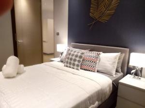 เช่าคอนโดวิทยุ ชิดลม หลังสวน : Magnolias Ratchadamri Room for rent Near to BTS BTS Ratchadamri (แมกโนเลียส์ ราชดำริ คอนโดให้เช่า)