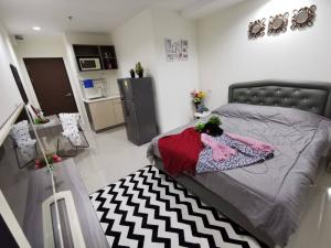 For RentCondoPattanakan, Srinakarin : Room for rent near airportlink Hua Mak Condo Asakan Place Srinakarin Asakan Place near Airport Link Hua Mak, Phatthanakan intersection, fully furnished