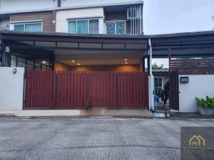 For SaleTownhouseSilom, Saladaeng, Bangrak : AE64020 for sale, 2-storey townhome behind the corner of Village Light Phatthanakan 38 area 35 sq m, 4 bedrooms, 2 bathrooms