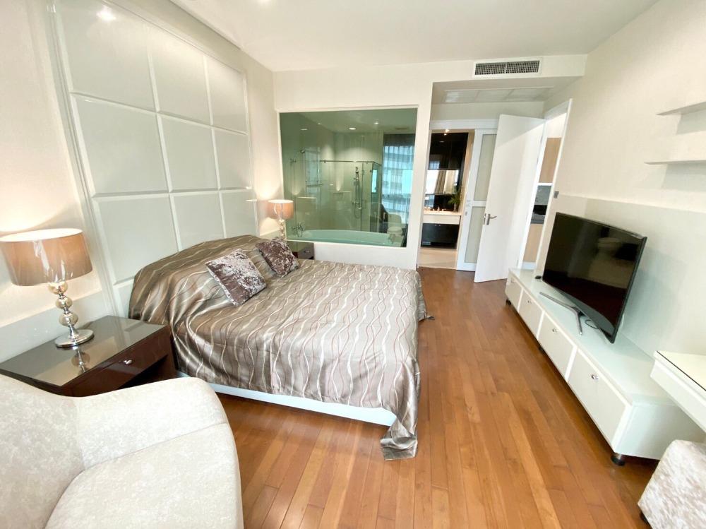 For RentCondoWitthayu,Ploenchit  ,Langsuan : 0144-A😊 For RENT 1 bedroom for rent 🚄 Near Chidlom BTS only 3 minutes (750 m) 🏢 The Address Chidlom The Address Chidlom🔔 Area: 56.72 sq m. Rent: 32,000.- baht 📞099-5919653 ✅LineID: @sureresidence