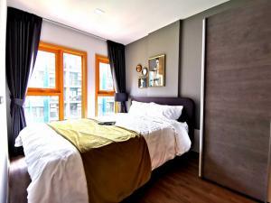For RentCondoOnnut, Udomsuk : ✅ For rent, The Base Sukhumvit 77, near BTS, size 46 sqm, fully furnished and electrical appliances ✅