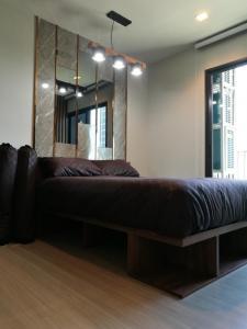For RentCondoRama9, RCA, Petchaburi : For Rent Life Asoke Rama 9 fully furnished, built-in furniture @JST Property.