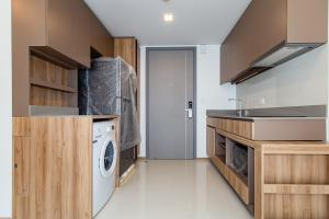 For RentCondoSukhumvit, Asoke, Thonglor : 1 bedroom large unit with walk-in clothes SPECIAL PRICE‼️