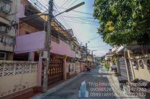 For SaleTownhouseWongwianyai, Charoennakor : / SALE / Townhouse  itsaraphap5 road, BTS Wonwienyai, Bangkok ,Thailand