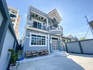 ขายบ้านลาดพร้าว71 โชคชัย4 : ขายบ้านเดี่ยว 2 ชั้น ยุโรปสไตล์ สร้างเองแต่งเอง นักเลงพอ ขนาด 64 ตรว. ในซอยนาคนิวาส 37 เเยก 4