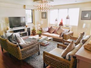 For SaleCondoNana, North Nana,Sukhumvit13, Soi Nana : Crystal Garden - Top Floor Penthouse / Sukhumvit Soi 4 / Benjakitti Park Views / 264 Sqm.