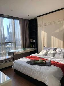 For RentCondoSathorn, Narathiwat : For rent, The Bangkok Sathorn, fully furnished with a whole set of new electrical appliances. River side view and expressway