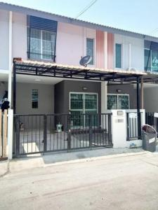 For RentTownhouseBangna, Lasalle, Bearing : 2 storey townhome for rent, Pruksa 87/2 Srinakarin-Bangna Wat Nam Daeng Road, size 16 sq m, usable area 83 sq m