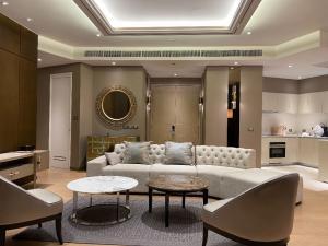 For RentCondoWongwianyai, Charoennakor : For Rent # Magnolias Waterfront Residences 3BR 222.44 sq.m.