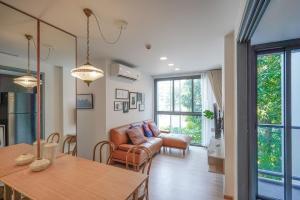 เช่าคอนโดสุขุมวิท อโศก ทองหล่อ : For Rent: Very Nice 2 Bedrooms Taka Haus Ekamai 12 Near BTS Ekamai