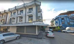 For RentShophouseKasetsart, Ratchayothin : Commercial buildings for rent, 500 meters from Amon Phan, corner building, 12 meters width, 8 meters depth