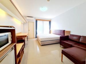 เช่าคอนโดพระราม 9 เพชรบุรีตัดใหม่ : Room fot rent!!!