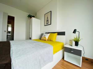 For RentCondoRama3 (Riverside),Satupadit : For renting a new room, the new plastic has not been removed.