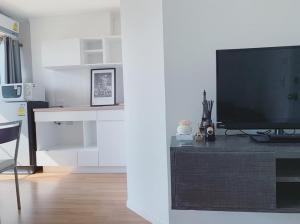 For RentCondoRama9, RCA, Petchaburi : For rent, Lumpini Park Rama 9 - Ratchada, beautiful room, inexpensive, fully furnished, convenient transportation