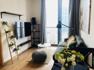For RentCondoSukhumvit, Asoke, Thonglor : For rent Condo Noble BE33 (Noble BE33) Sukhumvit from price 28000 baht, discount to 19999 baht, room size 35 sq m.