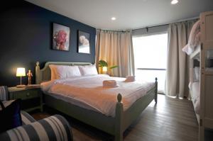 For RentCondoNana, North Nana,Sukhumvit13, Soi Nana : newly renovated 1 BR condominium - 600m from BTS Nana