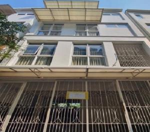 For RentTownhouseAri,Anusaowaree : 4-storey townhome for rent, Soi Ari Samphan 3, near BTS Aree, Air 5, fully furnished