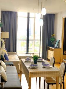 เช่าคอนโดสุขุมวิท อโศก ทองหล่อ : +++FOR RENT:  Very Nice 2 Bedrooms at Park 24 Closed to BTS Phrom Phong