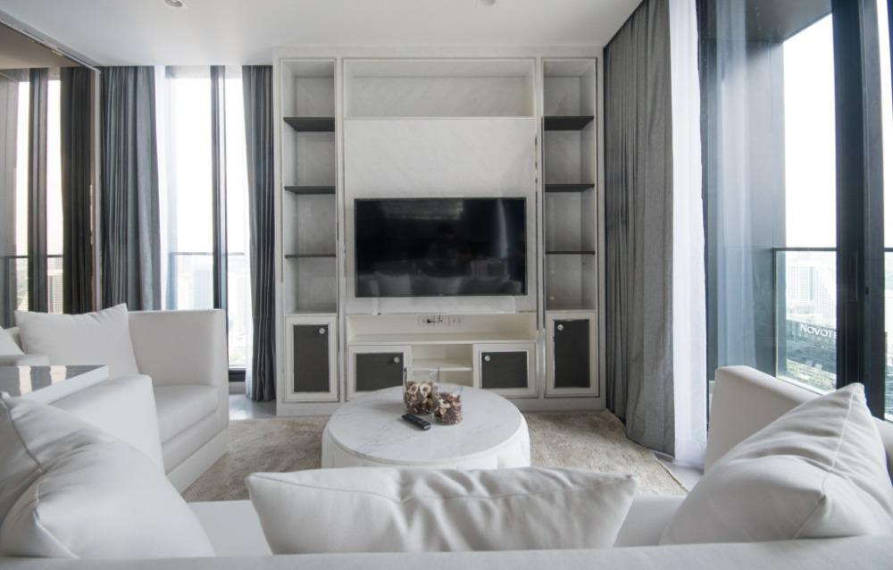 For RentCondoWitthayu,Ploenchit  ,Langsuan : 1938 (AT) -A😊 For RENT 3 bedroom for rent Duplex 🚄 Next to BTS Ploenchit 🏢 Noble Ploenchit Noble Ploenchit🔔 Area: 186.31 sq m. 💲 Rent: 190,000.- baht 📞099-5919653✅LineID: @ sureresidence