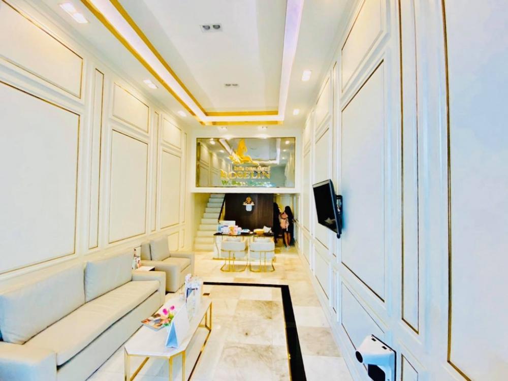 For RentShophouseSukhumvit, Asoke, Thonglor : Rent a beauty clinic for 200 meters.