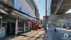 For SaleShophousePinklao, Charansanitwong : Urgent sale, land on the road, free building, 4 adjacent booths, land 240 square meters in front of Charansanitwong Road, next to MRT Bang Yi Khan, near Pinklao intersection, gold location, the owner sells by himself