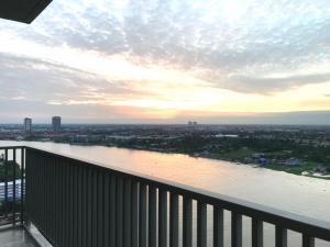 For SaleCondoRattanathibet, Sanambinna : SALE Condo High-Rise, Riverfront 2 Bed 2 Bathrooms, 73.75 sqm on 26th FL. (Newly Condition)