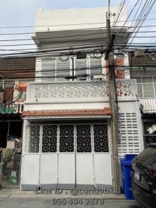 For SaleTownhouseSamrong, Samut Prakan : Townhouse 2 and a half, Sukhumvit 113 Dan Samrong 56 1, size 17 sq m, 2250000 baht.
