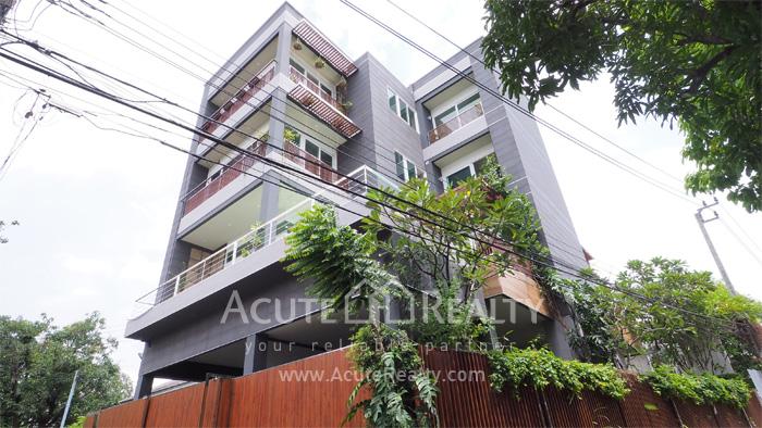 For SaleHouseSukhumvit, Asoke, Thonglor : Cluster home for sale Sukhumvit single house for sale Sukhumvit private house for sale sukhumvit