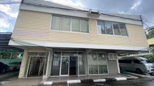 For RentHome OfficeSukhumvit, Asoke, Thonglor : Home office for rent in Thonglor. 300 sq.m. Can make coffee shop and studio.