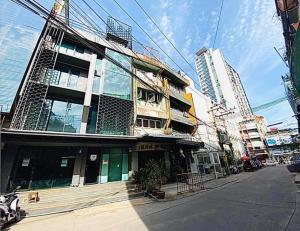 เช่าตึกแถว อาคารพาณิชย์อ่อนนุช อุดมสุข : ปล่อยเช่าตึก ชั้น 1-2 อยู่หลัง หลัง W District (ปรีดีซอย 1)2 คูหา เดิน 200 ม. จาก BTS พระโขนง