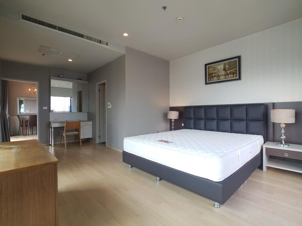For RentCondoSukhumvit, Asoke, Thonglor : 1956 (AT) -A😊 For RENT 1 bedroom for rent 🚄 near BTS Phrom Phong station 🏢 Noble Refine Noble Refine🔔 Area: 56.61 sq m. Rent: 40,000.- baht 📞099-5919653 ✅LineID: @sureresidence