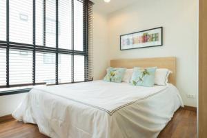 For SaleCondoOnnut, Udomsuk : Urgent sale, Zenith Place Sukhumvit 42, size 33.92 sq m. 1 bed * BTS Ekamai
