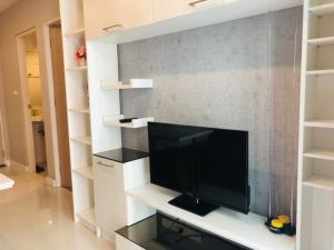 For SaleCondoRatchadapisek, Huaikwang, Suttisan : Condo for sale Metro Sky Ratchada with furniture, pool view, very new room.