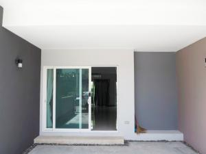 """For RentTownhouseNawamin, Ramindra : 3-storey town home for rent, modern style. """"Greenwich Ramintra"""""""