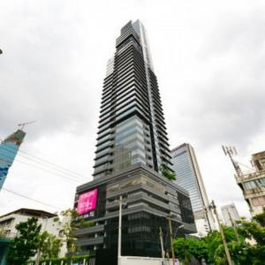 For RentCondoSilom, Saladaeng, Bangrak : M Silom, near BTS Chong Nonsi, ready to move in, 79 sqm, prices start at 58000 baht.