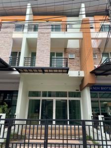 For RentTownhouseRamkhamhaeng,Min Buri, Romklao : RT490 Home Office for rent, 3 floors, 25 square meters, 4 bedrooms, 4 bathrooms, Soi Ratthana Ramkhamhaeng 160.