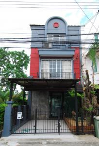 For RentTownhouseKasetsart, Ratchayothin : 3 storey home office for rent, modern style Ladprao-Wanghin Rd.