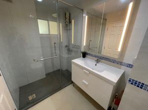For RentCondoOnnut, Udomsuk : Condo for rent: Life @ Sukhumvit 65, 24th floor, AOL-F61-2101003283.