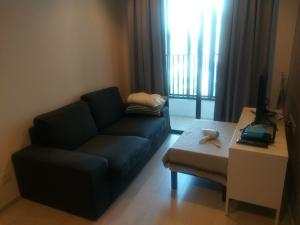 For SaleCondoWongwianyai, Charoennakor : Hot Price !! Very urgent, hurry to sell, reduce the irony of COVID 2Br 2Bath 51 sq m, special price
