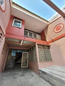 For RentHouseThaphra, Wutthakat : House next to Bts Bang Wa, very beautiful house, very good location, for rent at only 15,000 baht.