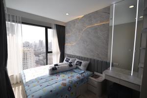 เช่าคอนโดพระราม 9 เพชรบุรีตัดใหม่ : [เช่า] Ideo Mobi Asoke 1ห้องนอน ตกแต่งสวย เฟอร์ครบ ✨
