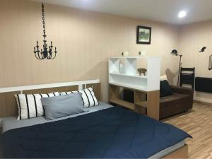 For RentCondoOnnut, Udomsuk : Condo for rent: Regent Home9 4th floor AOL-F68-2101003288