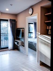 For RentCondoChiang Mai, Chiang Rai : Escent Ville Chiangmai in Central Festival 29 Sqm 3rd floor 1 bedroom Apartment
