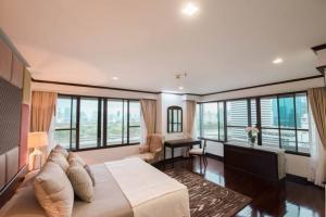 เช่าคอนโดสุขุมวิท อโศก ทองหล่อ : Mayfair Sukhumvit 16 condo for rent 240 Sqm 3 beds 3 baths 90,000 per month