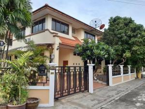 ขายบ้านพัฒนาการ ศรีนครินทร์ : ขายบ้านเดี่ยว ซอย เฉลิมพระเกียรติ์ 54ใกล้ สวนหลวงร.9 (ทำเลดีที่สุดในโครงการ)ขายบ้านเดี่ยว ม. ฐานทอง ( บ้านหัวมุม )