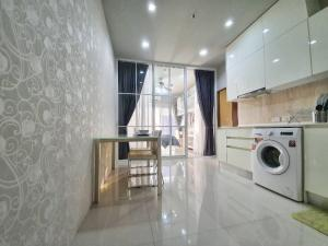 For SaleCondoRatchathewi,Phayathai : Quick sale! Noble Revent Phayathai, corner unit, 2 bedrooms, 55 sq.m.