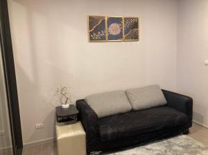 เช่าคอนโดสุขุมวิท อโศก ทองหล่อ : ให้เช่าคอนโด Quintara Treehaus Sukhumvit 42, 1 ห้องนอน ใกล้ BTS Ekkamai