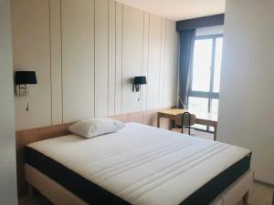 For RentCondoBangna, Lasalle, Bearing : ✅ For rent, Ideo Mobi Sukhumvit Eastgate, size 31 sqm, near BTS, complete with furniture and appliances ✅